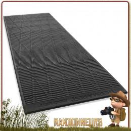 Matelas mousse Thermarest RidgerRest Classic Regular surface alvéolée pour optimiser la rétention de la chaleur corporelle