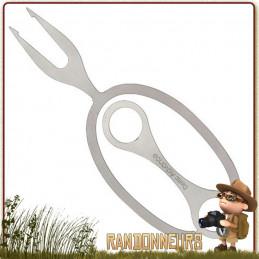 fourchette BBQ Neptune Swiss Advance broche légère, acier inox fixe au bout d'une branche comme support de cuisson