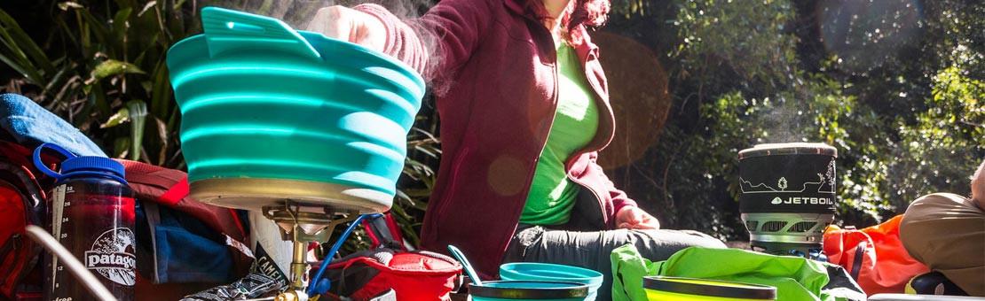 Vaisselle de randonnée légère, du titane au silicone, en passant par l'inox et l'aluminium, adapté au trek et la marche ultra light